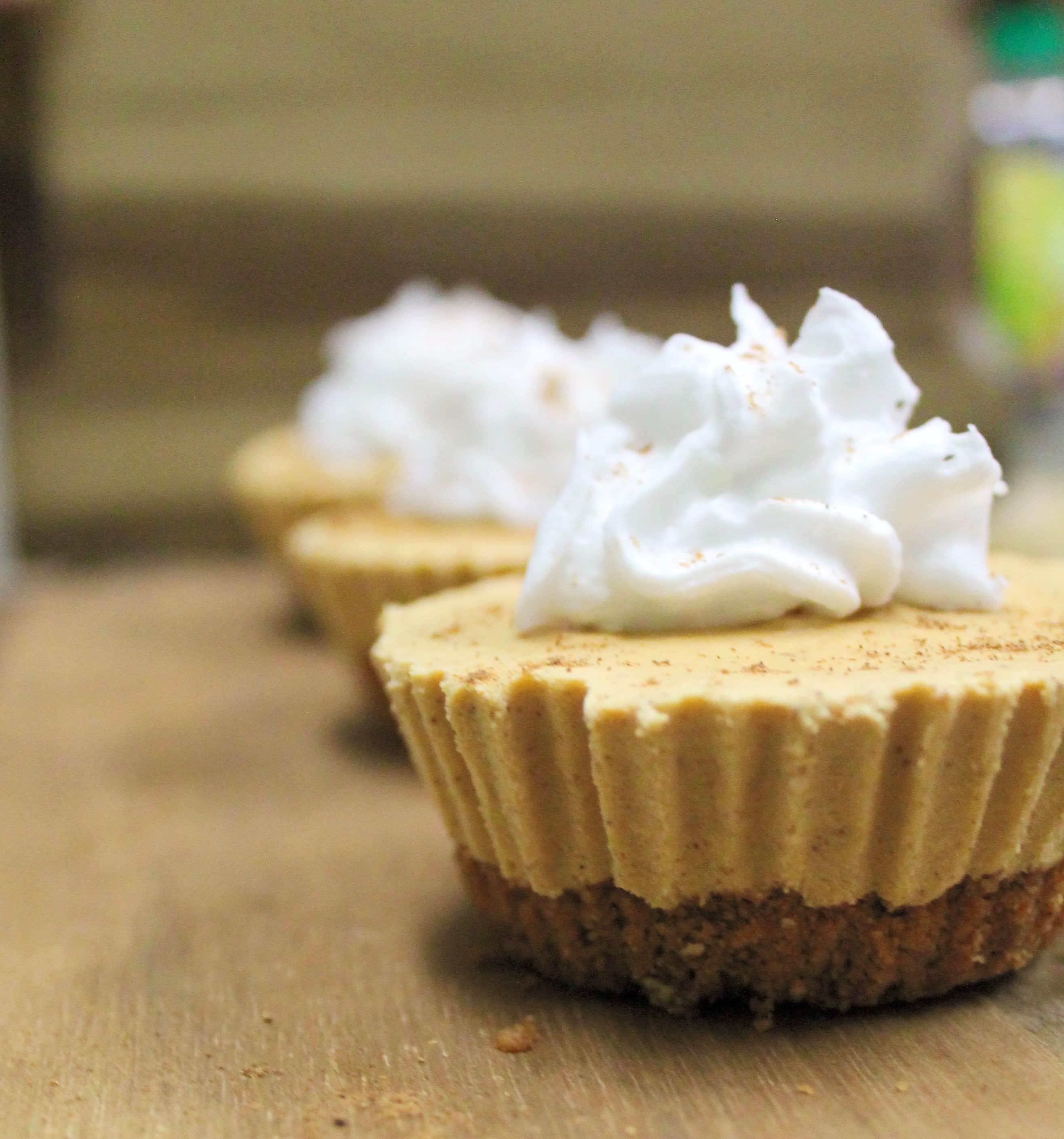 Vegan Pumpkin Pie Cheesecakes