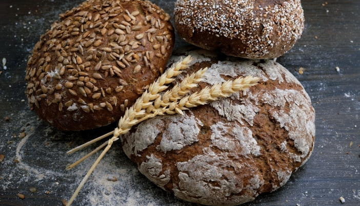 is yeast vegan/can vegans eat bread